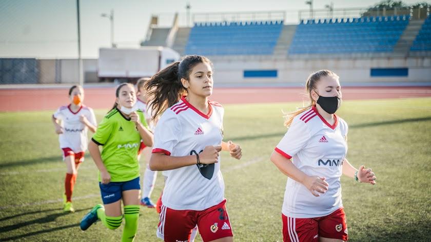 El equipo femenino de MAAVi FC gana el Premio Iberdrola SuperA Social.