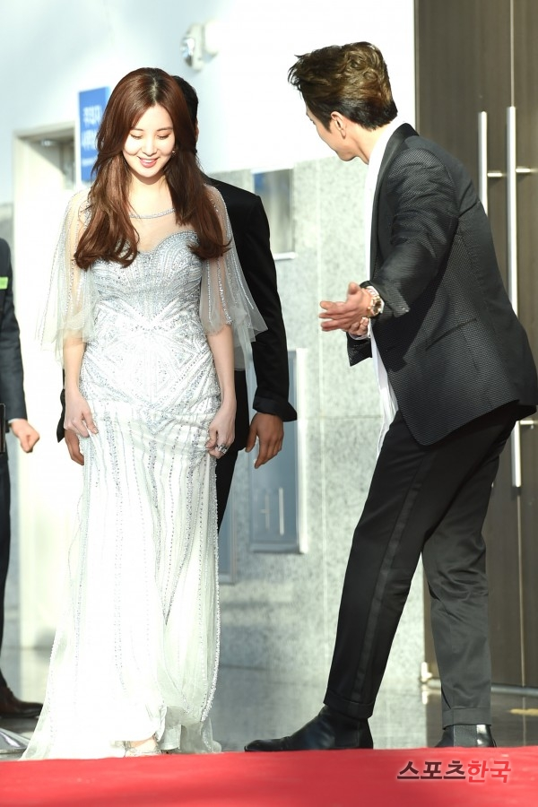 seohyun gown 30