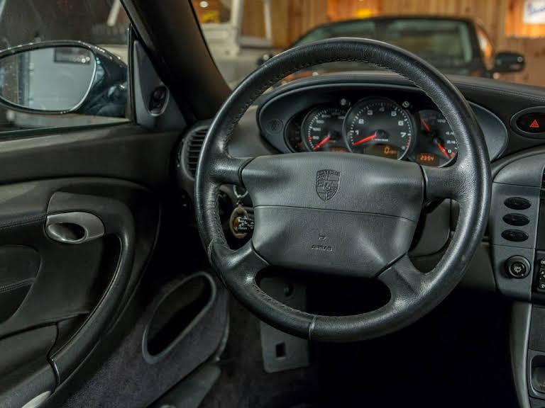 Porsche 996 Carrera 2 Hire Lisboa