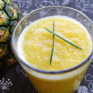 Pineapple, Honey, and Mint Juice