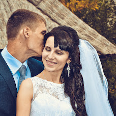 Wedding photographer Larisa Dovgalyuk (Lora-foto). Photo of 02.11.2014