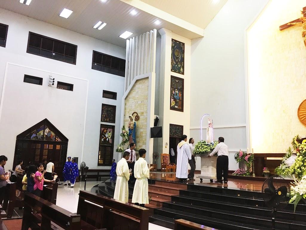 Giáo xứ Phú Bình : Đội mưa rước kiệu kính Mẹ Mân Côi - Ảnh minh hoạ 8