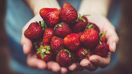 03/06/20 fraises Les Paniers de Béatrice  Boutique bio et spécialisée alimentation végétarienne vegan Ardèche Beauchastel