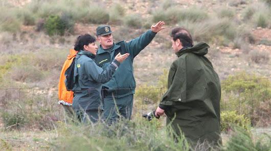 Agentes de la Guardia Civil durante la búsqueda del pequeño Gabriel Cruz.