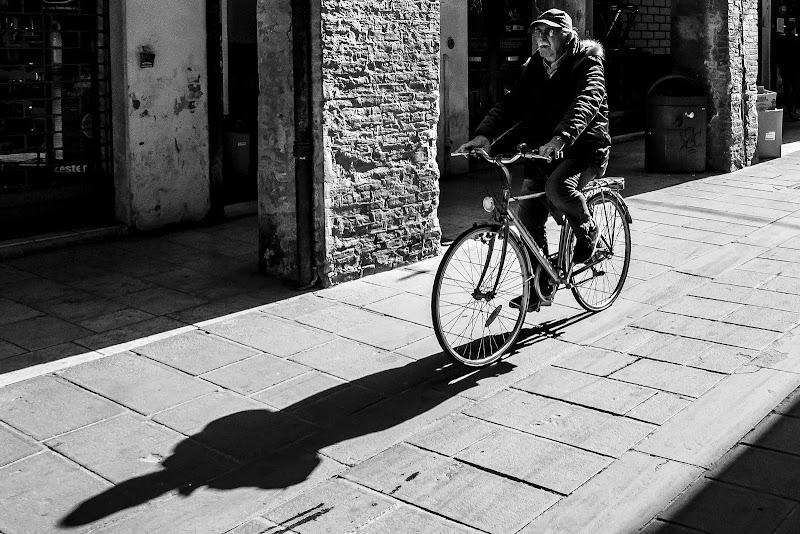 Inseguendo la propria ombra di Simone De Barba