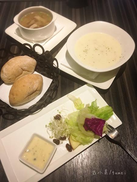 米塔義式廚房 Mita ,超咕嚕義大利麵。環境舒適。用餐不限時間