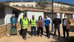 Matilde Díaz visitando las actuaciones que se están ejecutando en el municipio de Bentarique.
