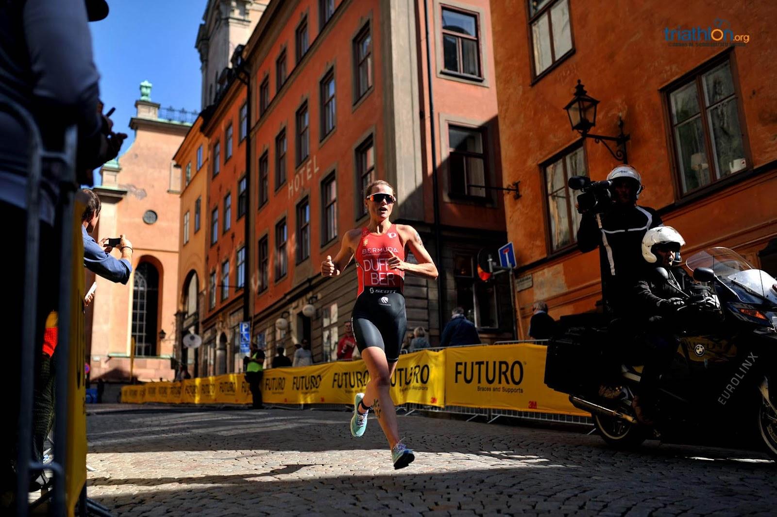 WTS Sztokholm Duffy biegnie 2.jpg