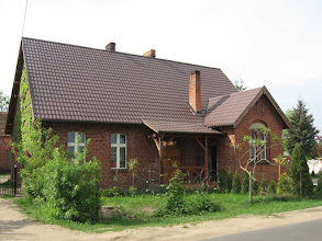 Photo: Budynek starej szkoły w Czeszewie. Tu rozpoczęły się strajki dzieci jeszcze przed tymi, które miały miejsce we Wrześni.