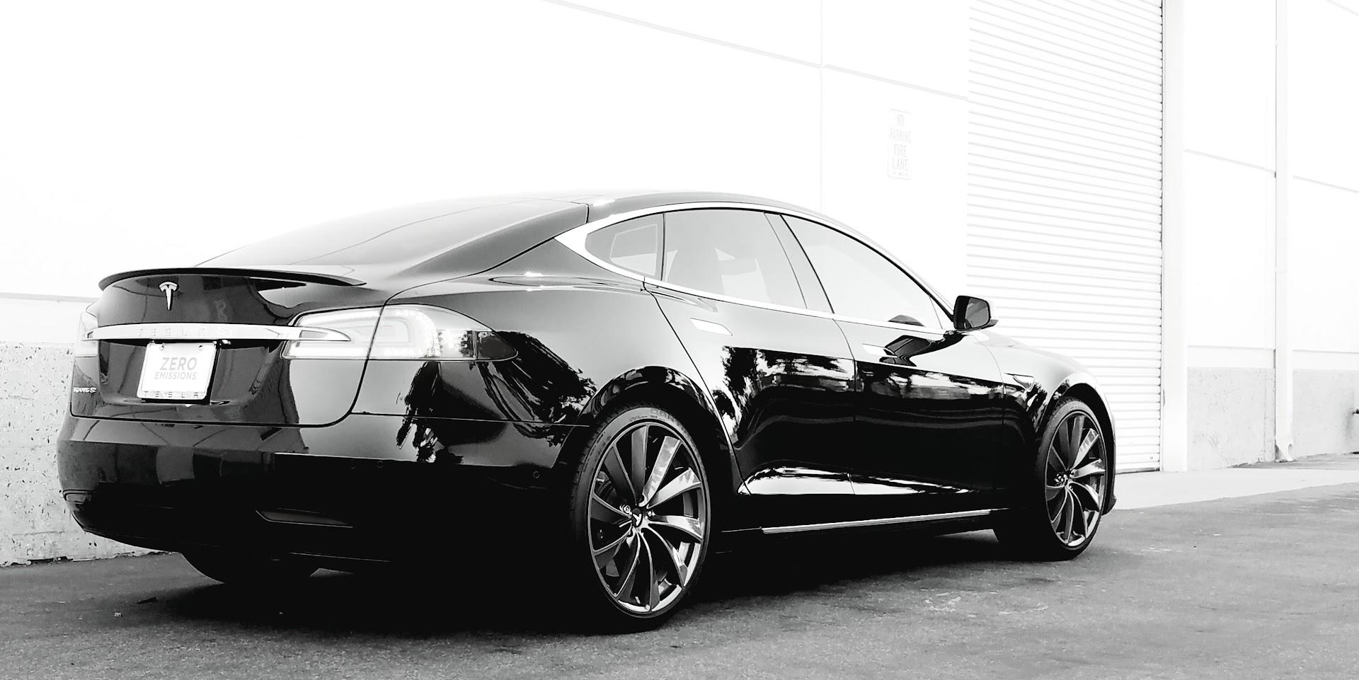 Photoshoot pics of black Refresh Model S | Tesla Motors Club