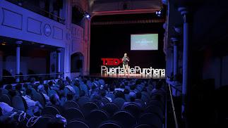 Abel La Calle durante su ponencia en la primera edición de TEDxPuertadePurchena.