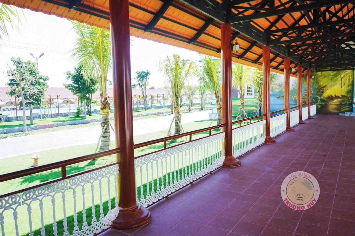 Khách sạn Trường Huy