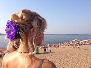 Photo: Украшение - фиолетовый мак...очень красиво смотриться,современное решение образа,незамеченной не останешься