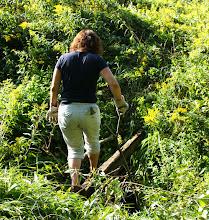 Photo: Noch ohne Brücke.....ich muss da rüber und mir mein Bein abhacken.