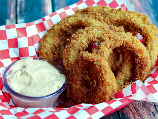 Deep Fried Onion Rings With Dipping Sauce Recipe