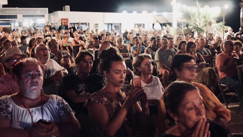Noches de estrellas y palomitas en las plazas de Níjar con el cine de verano