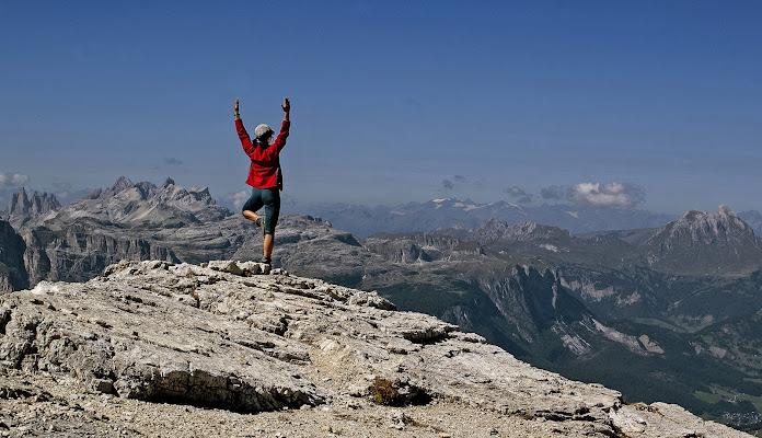 Yoga ad alta quota, ricerca di elevazione di mariarosa-bc