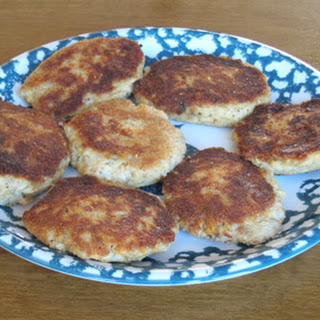 Salmon Fishcakes Recipe Made With Canned Salmon.