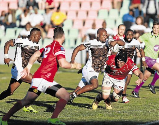 ON ATTACK: Border's Lundi Ralarala runs with the ball during their clash against the Valke at Buffalo City Stadium Picture: MARK ANDREWS