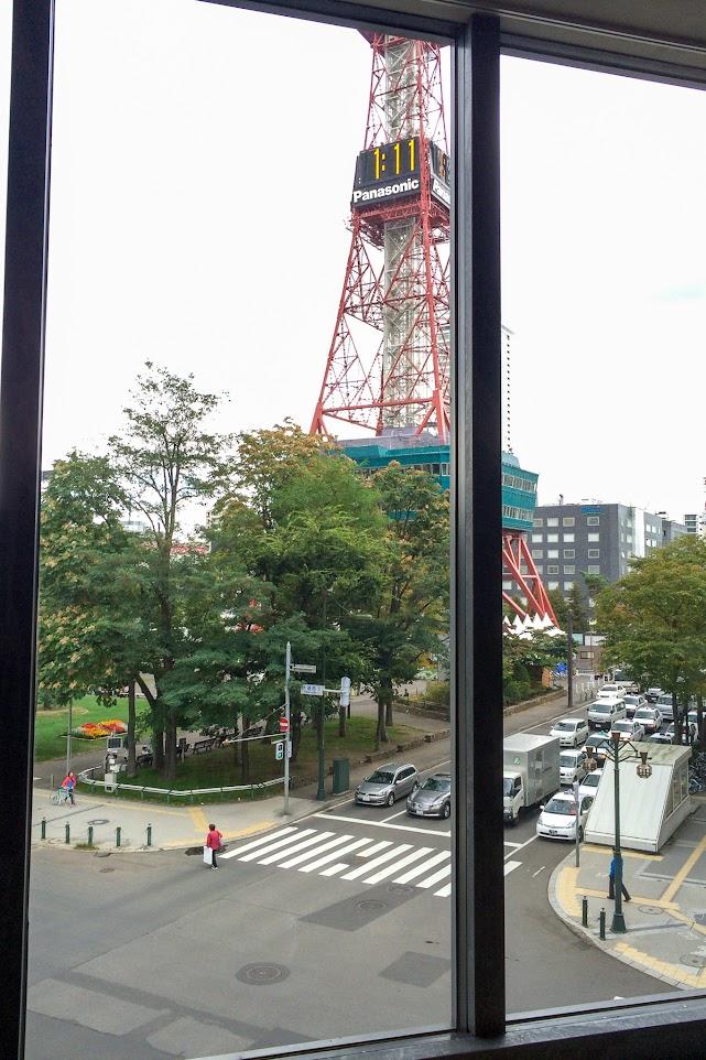 窓から望むテレビ塔