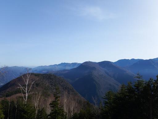 下に青田山、中央は鳥倉山