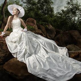 Looking Ahead by BRYON PHILIP - Wedding Bride ( wedding, woman, bride, people, portrait,  )