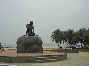 Photo: Statue of Gandhi at Malpe Beach