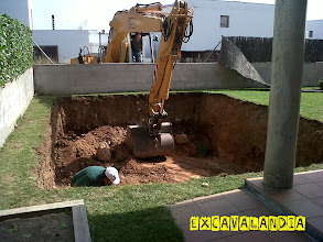 Photo: Excavacion de piscina en el Penedes