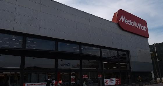 Éxito en la apertura de Mediamarkt Roquetas de Mar
