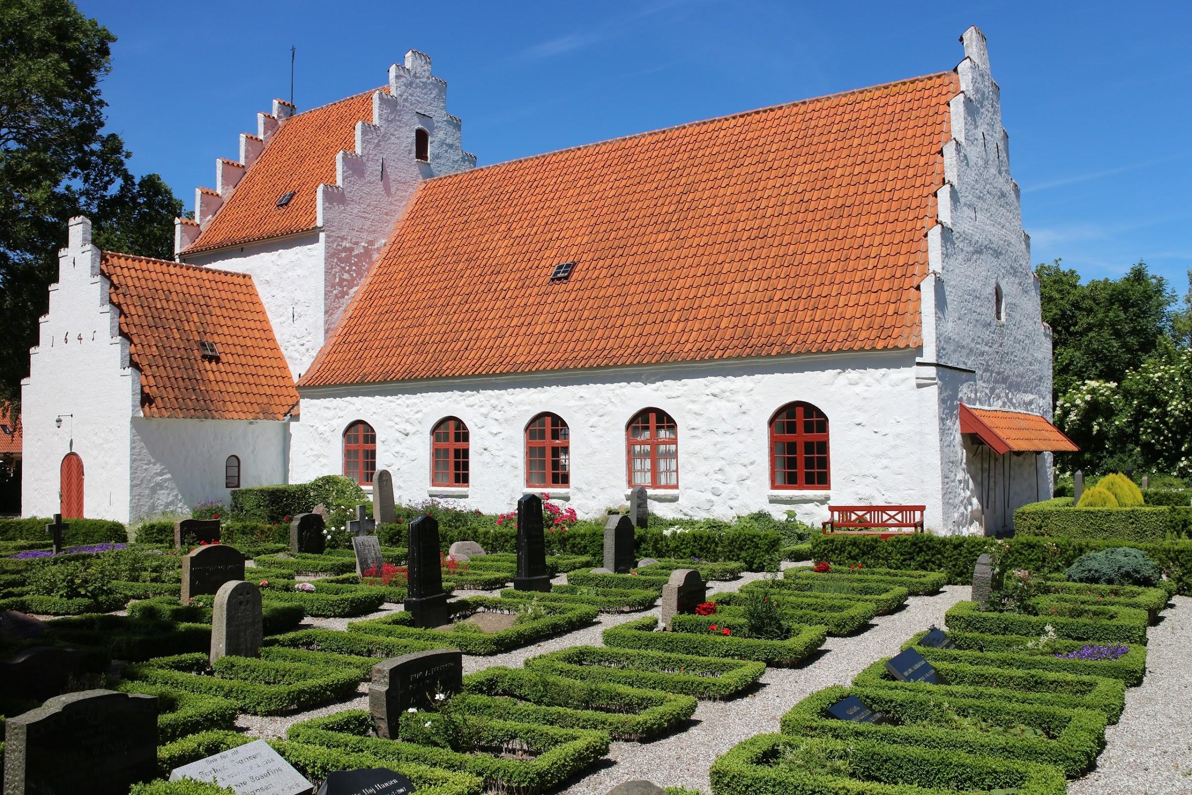 Lyø kirke