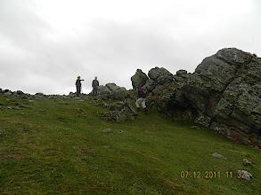 Photo: 878m Alors que nous approchons des quelques rochers qui se dressent au sommet d'Otsamunho (901 ms), nous virons plein Est.