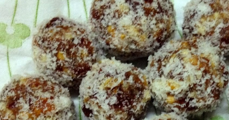 Dates and Walnuts Balls Recipe