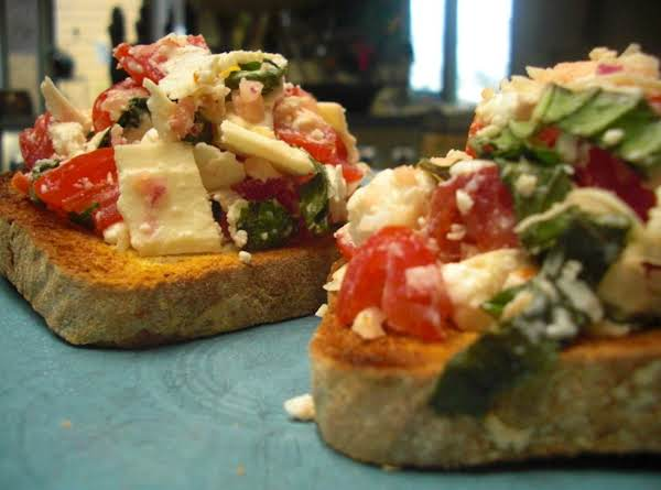 Italian Goat Cheese Crostini