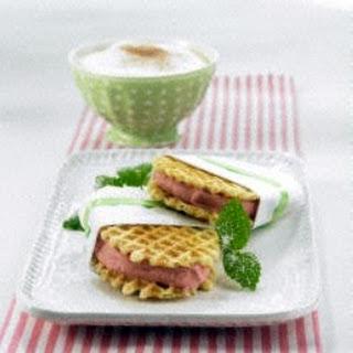Erdbeereis-Sandwich