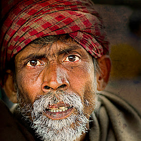 The Face! by Rajarshi Mitra - People Portraits of Men ( face, grunge, old, theface, faces, color, dramatic, indian, man, portrait, aged, people )