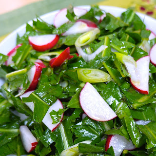 Fresh Dandelion and Radish Salad with Apple Cider Vinaigrette
