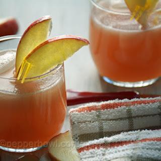 Fresh Homemade Recipe for Apple Juice.