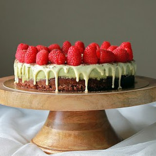 Matcha Mousse Chocolate Sponge Cake.