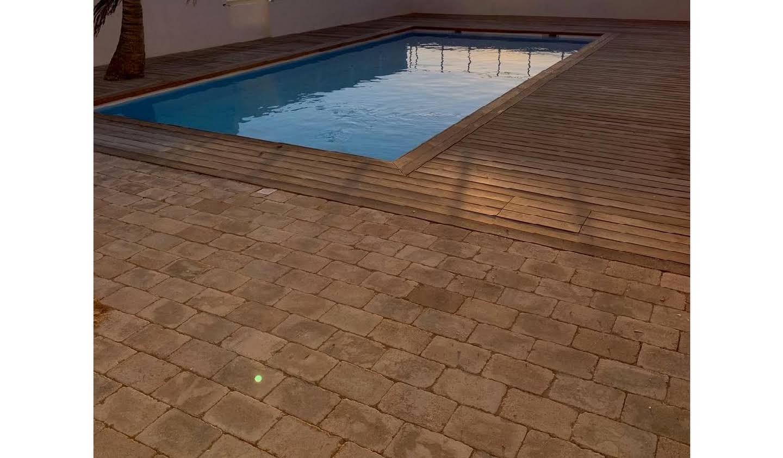 Appartement contemporain avec terrasse et piscine Saint-Martin