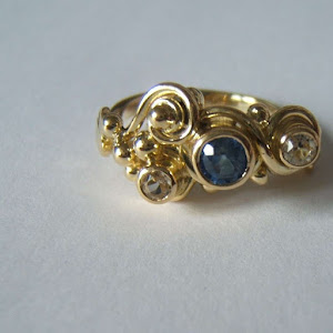 three beads ring