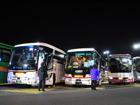 京王バス東「新宿神戸姫路線」(プリンセスロード) 81553 海老名サービスエリアにて