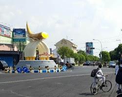 Tugu Kartonyono Ngawi Jawa Timur