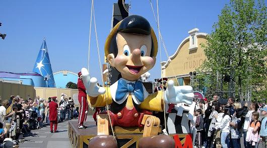Disneyland París busca personal para actuar allí: estos son los requisitos