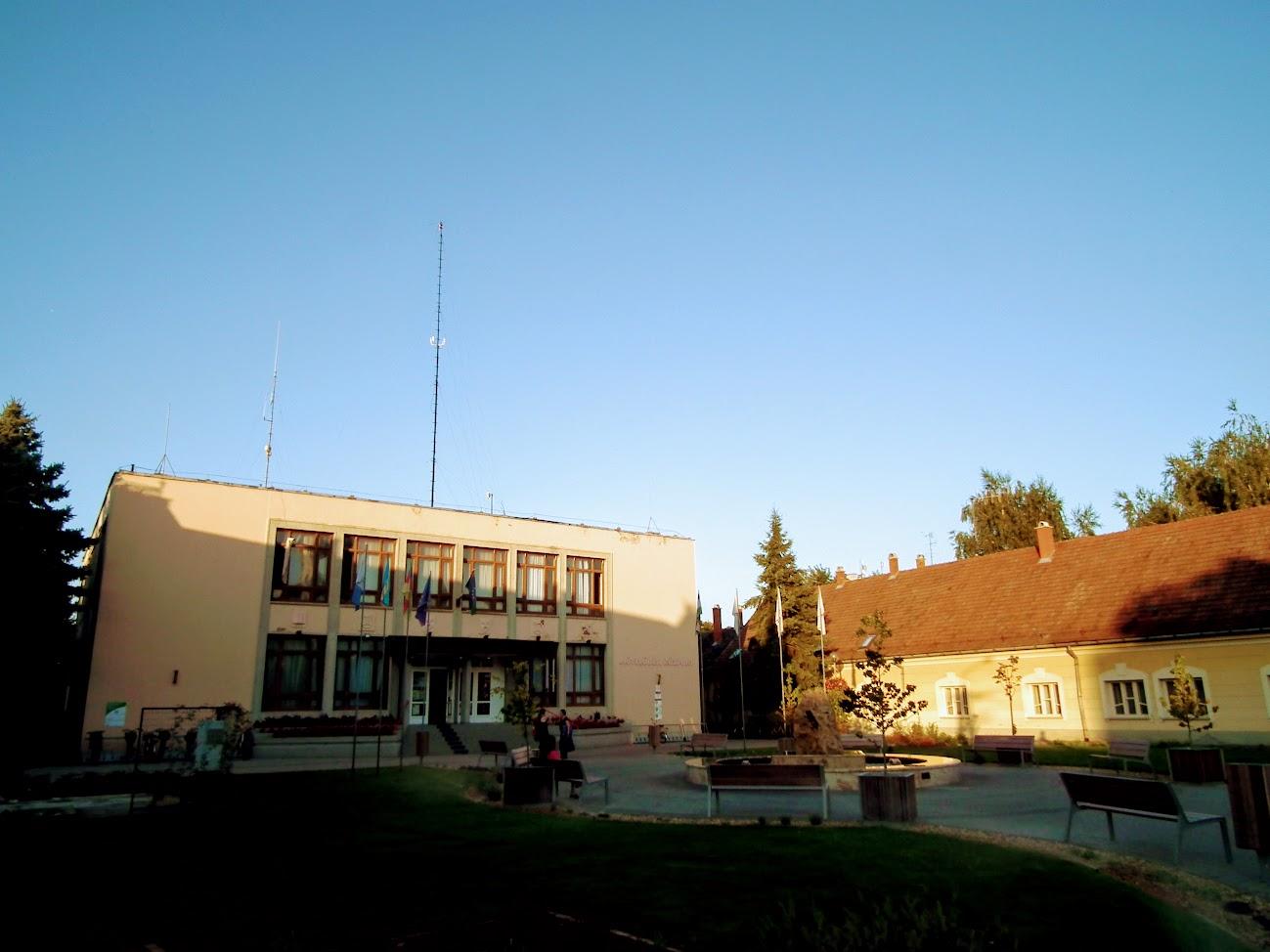 Kiskunmajsa - helyi URH-FM adóállomás