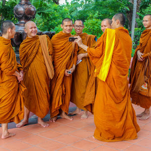HappyMonks1.jpg