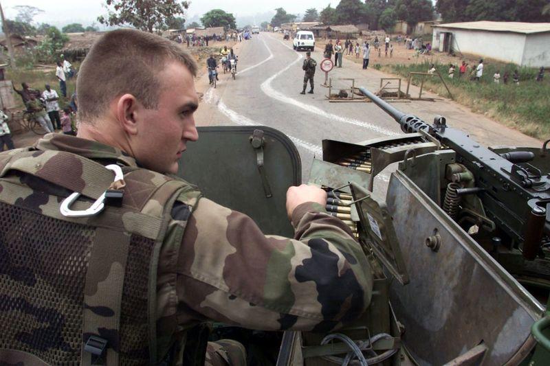 Легионер на танке в Кот-д Ивуар. Фото: Reuters