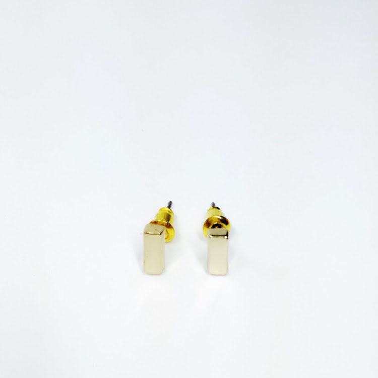 E049 - G. Basic Bar Earrings by House of LaBelleD.