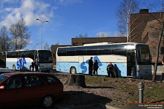 Photo: #5005/#5009: OGP-360 og OIS-812 utenfor EVTEK i Leppävaara, 14.04.2008.