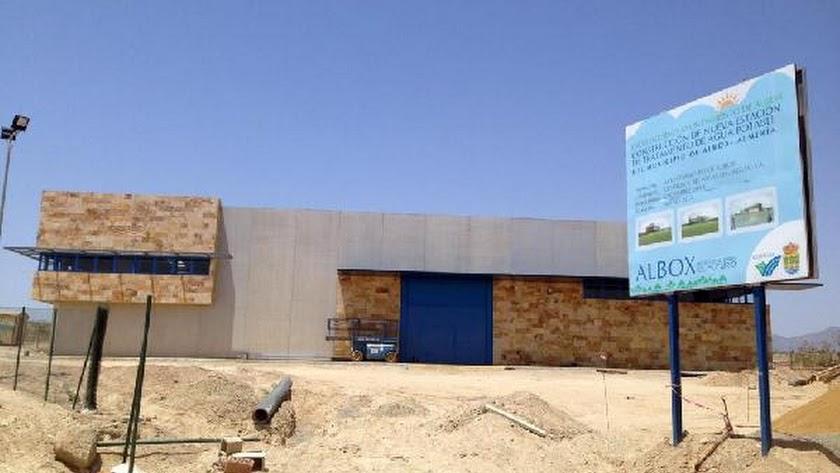 Estación depuradora de agua durante las obras de construcción, ubicada en el paraje conocido como Ce