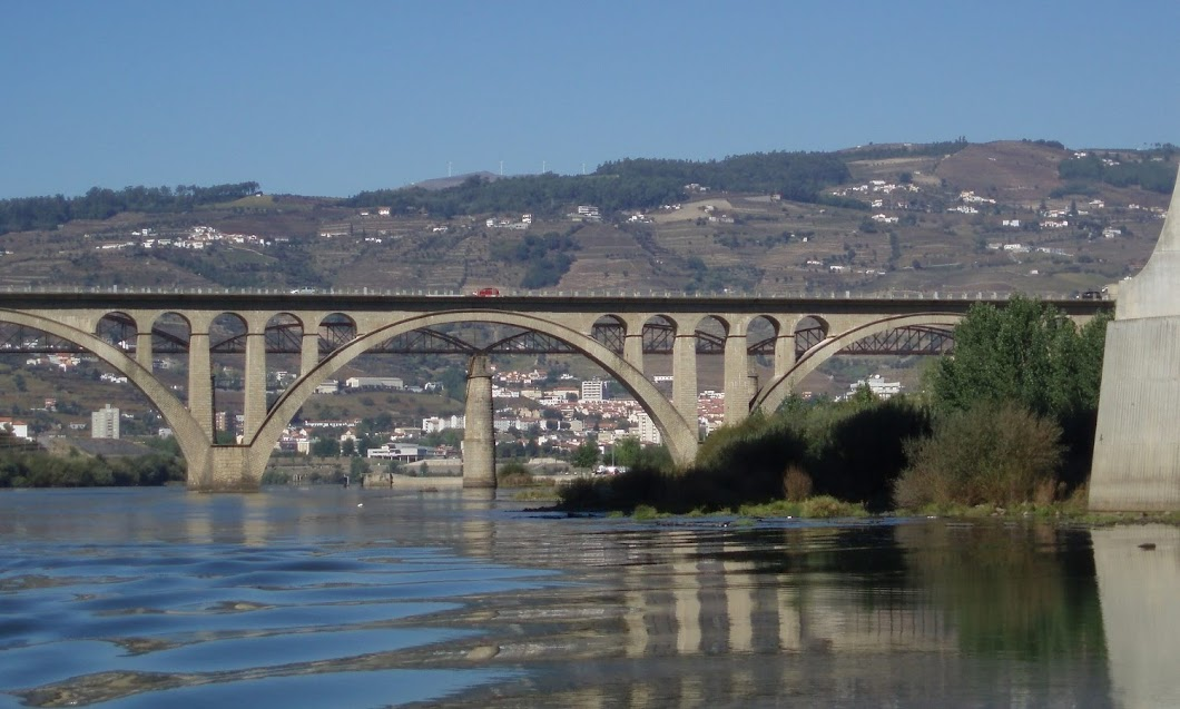 Ponte que liga Peso da Régua a Lamego em risco